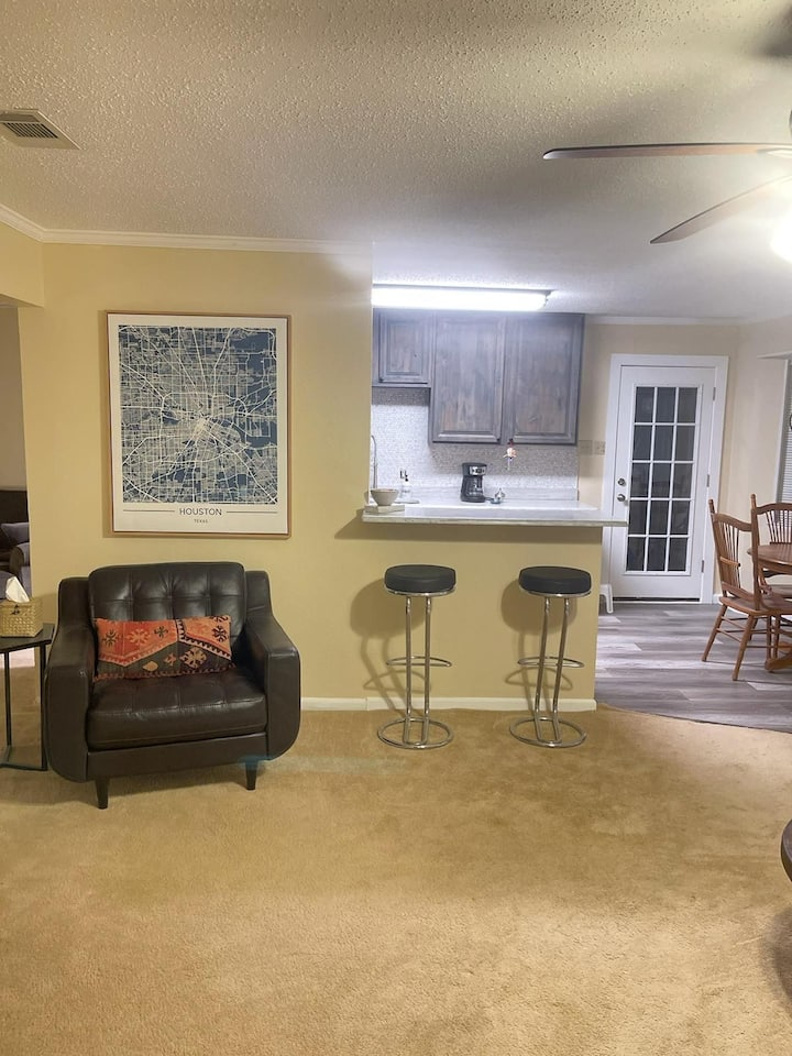 Private room close to DFW, AA, 183, 360, 121