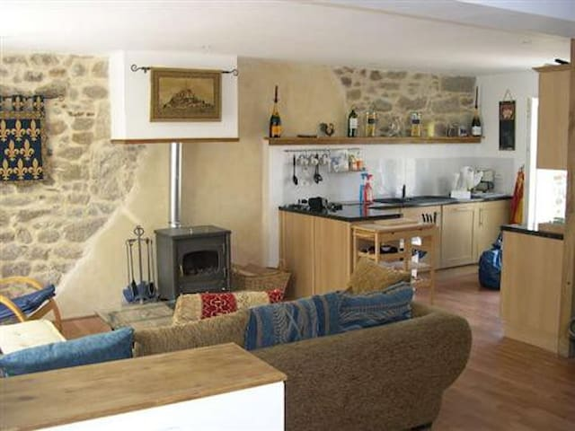 Cosy village house close to lake - Jugon-les-Lacs - Maison