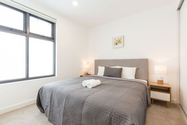 Ellia Apartments - Doncaster ( 106-N )