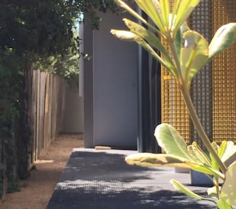 The Side Door Boutique Accomodation - Hut