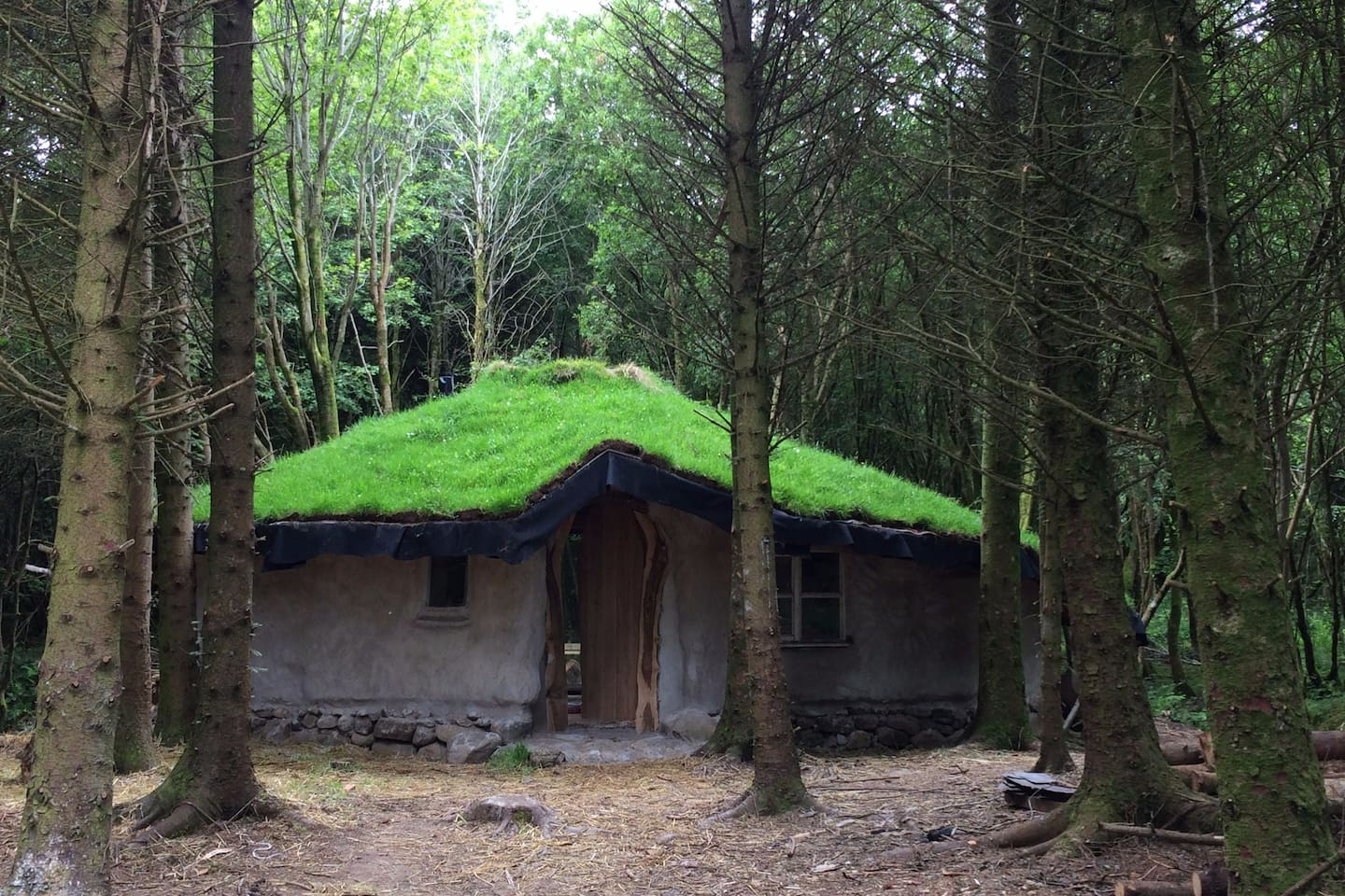 Fairy, witch, hobbit or you? who lives in a house like this?
