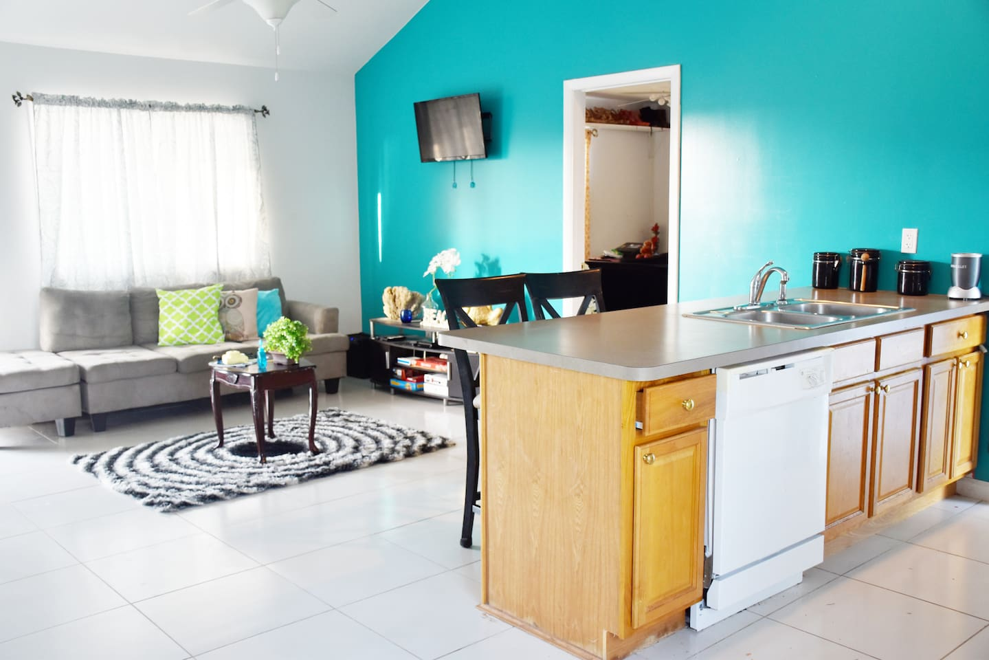 TURQUOISE HOUSE - 1 bed/1 bath - Houses for Rent in Caicos Islands ...