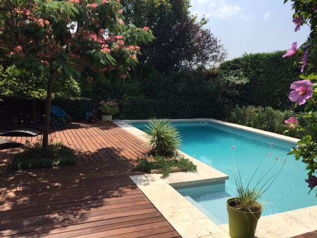 Villa 8 pers. de 200 m² & piscine - Bouc-Bel-Air - บ้าน