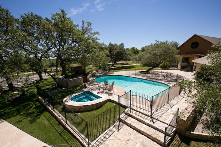 Your Private Hill Country Retreat