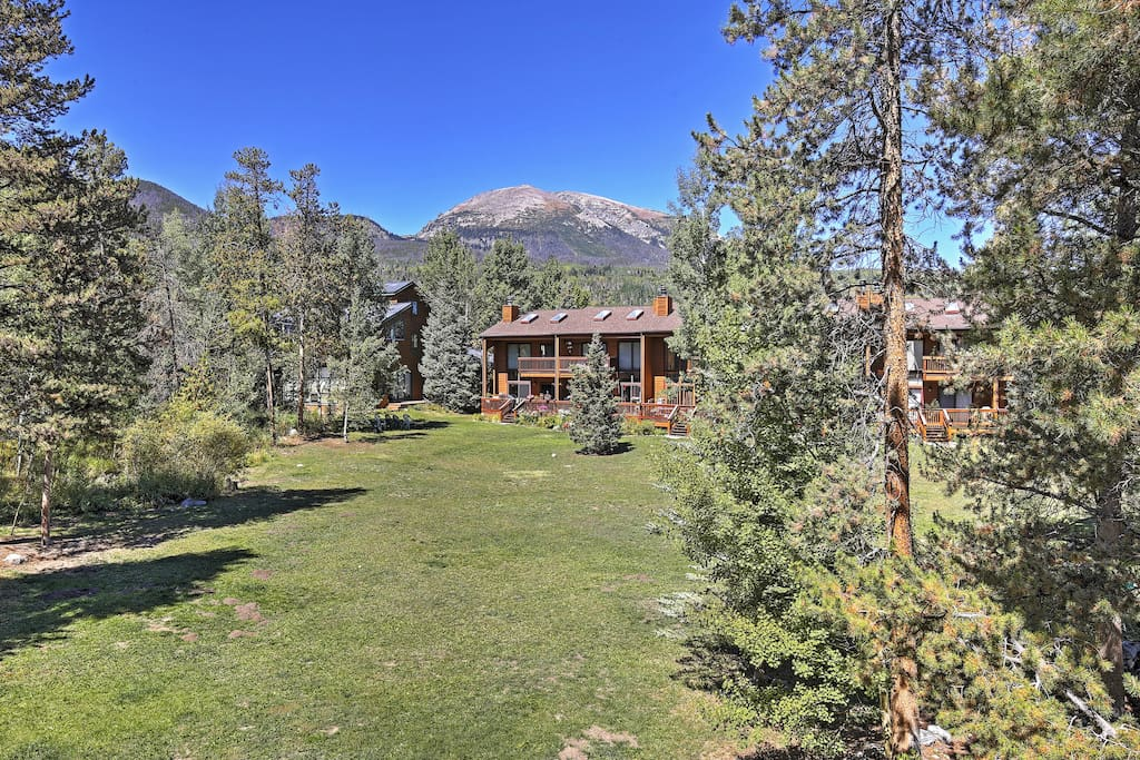 The property's secluded mountain location will give you a sense of privacy.