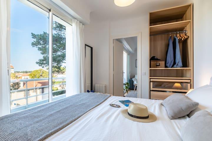 1 chambre lit 160 avec balcon