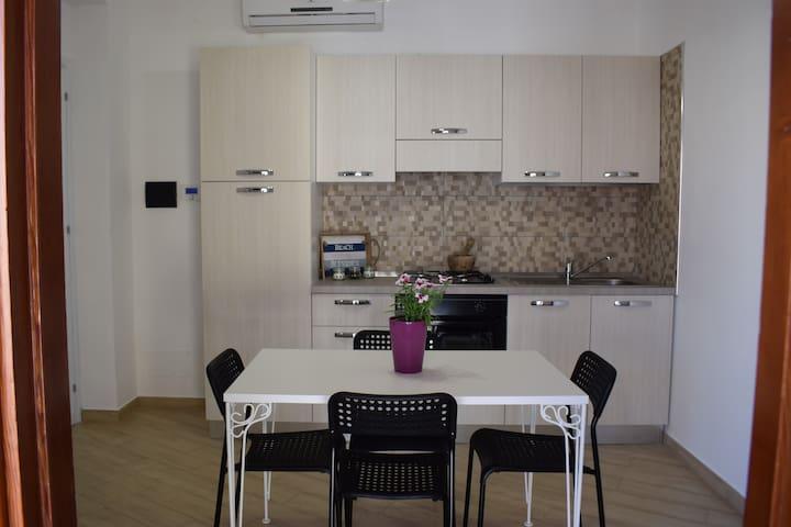 """Casa Campisi,Monolocale""""Vitina"""",veranda vista mare"""