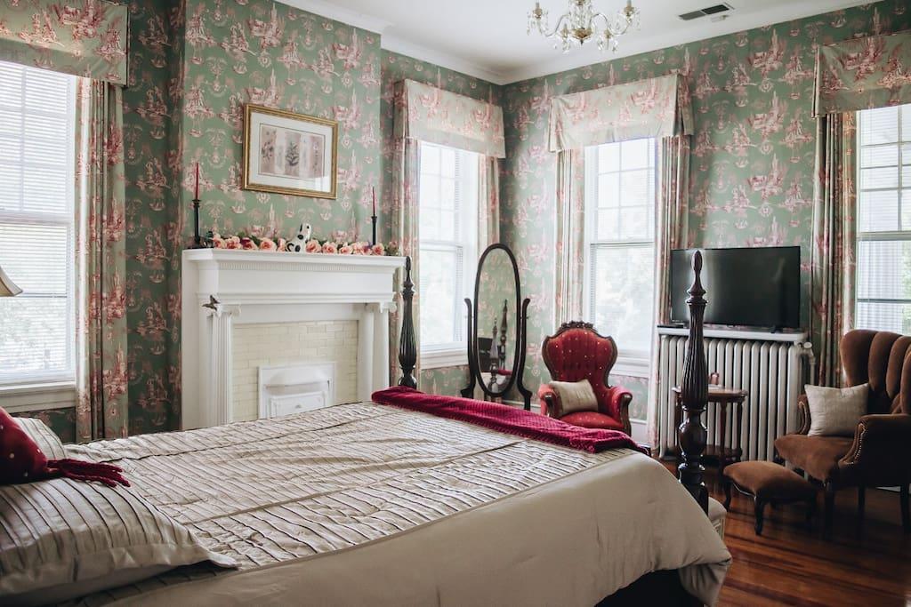 Spring Queen room