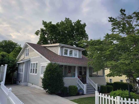 The Eagle's Nest:  Renovated 6Bed/3Bath Craftsman