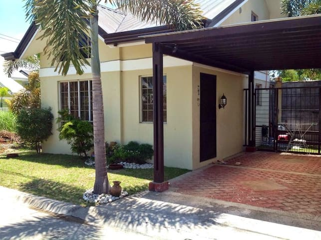 comfortable accessabile secured 2BR House for Rent