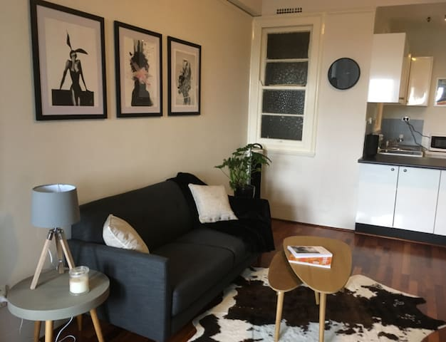 Stylish, chic studio apartment - Darlinghurst - Lägenhet