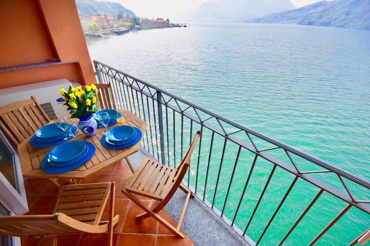 terraza del apartamento en el lago
