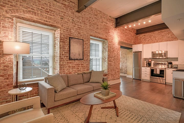 Beautiful 2BR Apartment in Alexandria
