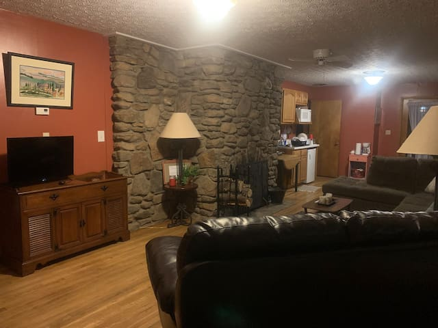 Sycamore House/800 acres of woods & scenic river
