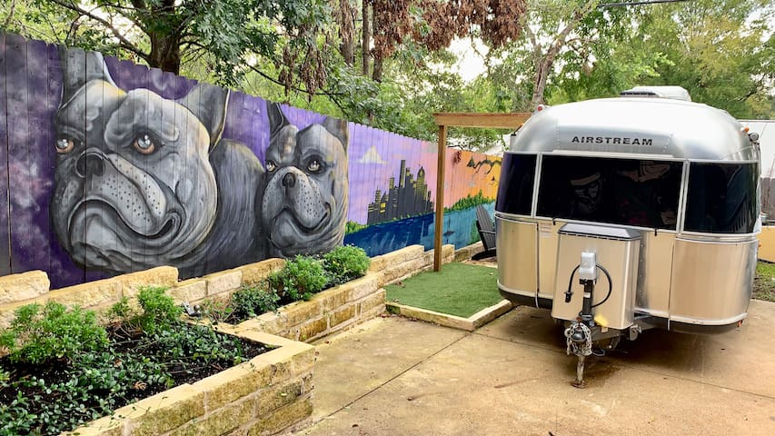 New Airstream, walk Barton Springs & Zilker Park!
