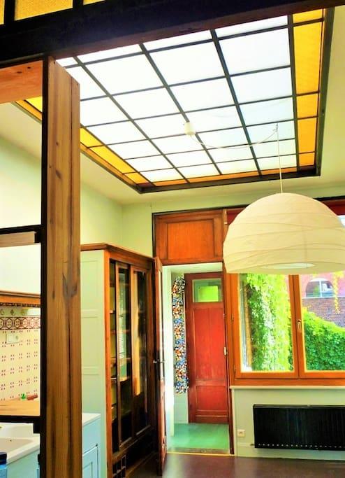 art nouveau grand appartement apartments for rent in lille nord pas de calais france. Black Bedroom Furniture Sets. Home Design Ideas