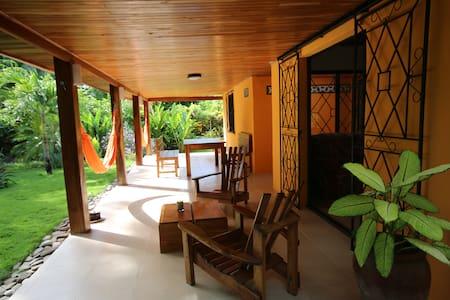 CASA NASHOBA Tropical garden - Cabuya