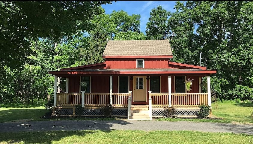 Beautiful Cabin At Jellystone Park™, Lazy River - Gardiner - Cabin