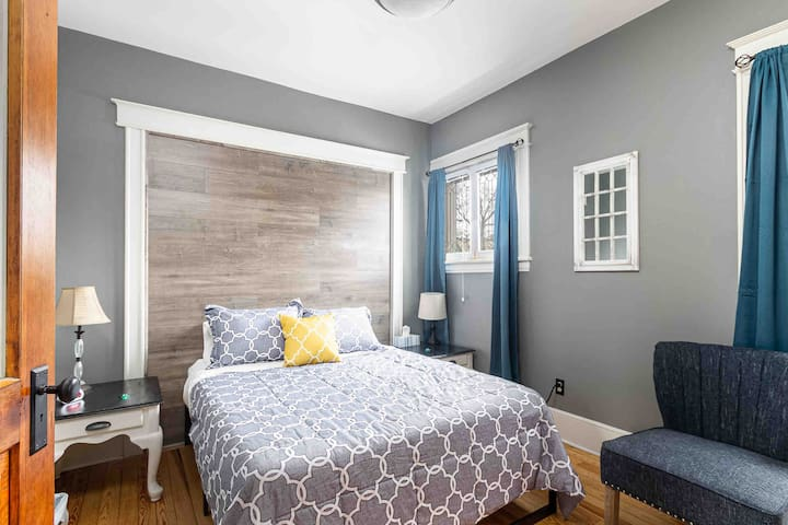 Bedroom 2: Queen size bed, dresser, TV, chair, walk in closet, iron, ironing board. We also make it family friendly by including a pack n play, infant tub, and portable toddler tub.