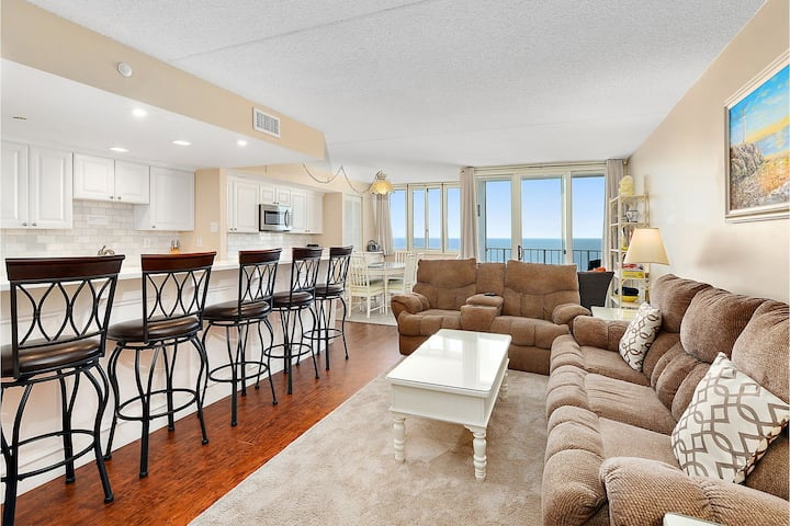 Quay 2008 - Renovated Oceanfront w/ Pool & Game Room!