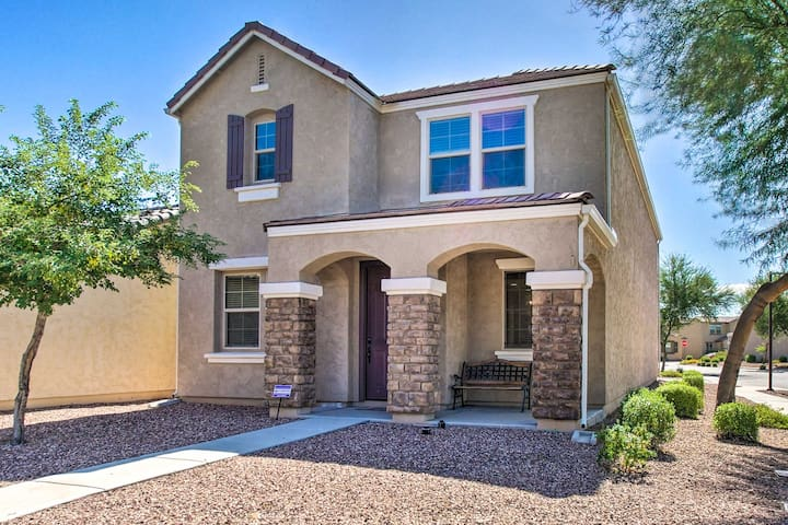 Mod. Home w/Pool Access, Walk to Westgate & Sports