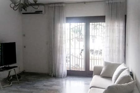 Spacious 1br Flat in perfect location