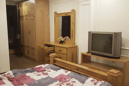 Central Private Room in Lively Cau Giay District - Hanói - Bed & Breakfast