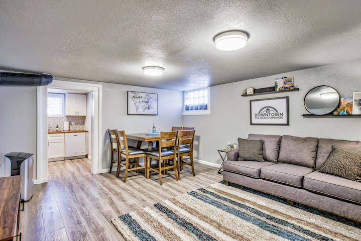 ⭐ The Olympic Flat! ❤️ of CO Springs Near Downtown!