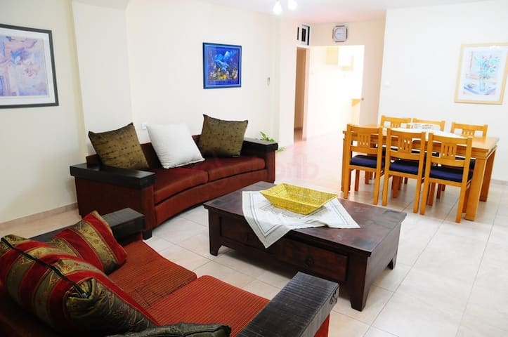 David's 3BR-sea front +WiFi+parking+location