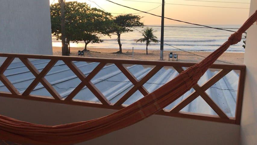 Apto Praia de Ulé. Tipo flat de frente p/ mar 103