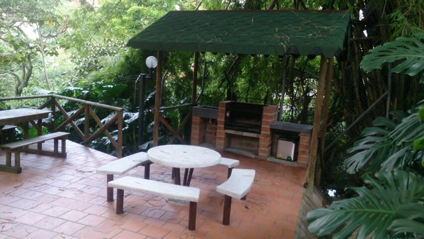 Habitación Privada (sencilla) - Medellín - House
