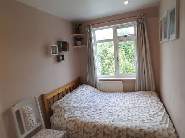 Double Room in Worcester Townhouse