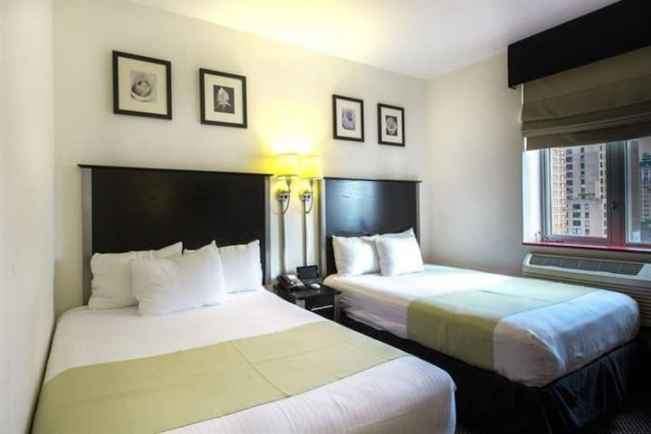 Brodway- Double Double Room