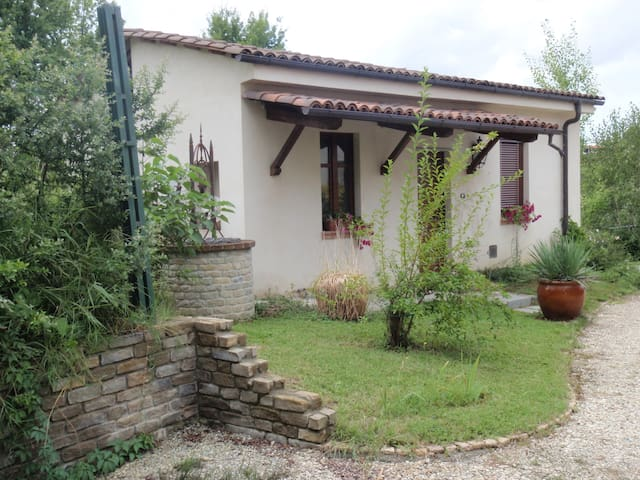 Appartamento tra le Langhe ed il Monferrato - Castagnole delle Lanze - House