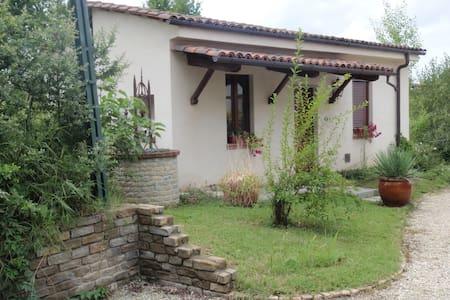 Appartamento tra le Langhe ed il Monferrato - Castagnole delle Lanze - 独立屋