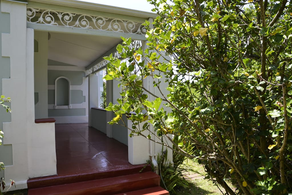 Front stoep, veranda