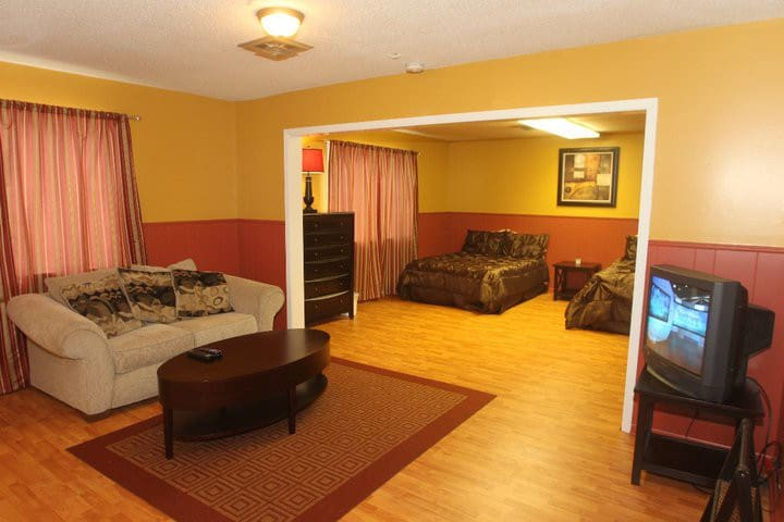 Eastman Downtown - Fort Scott - Apartment
