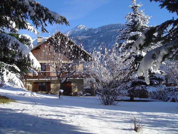 apartment in chalet, near ski runs