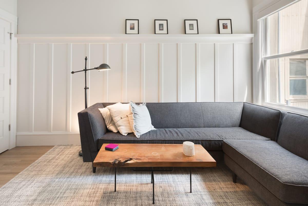 Remodeled Classic Condominium Comfort near Duboce Park