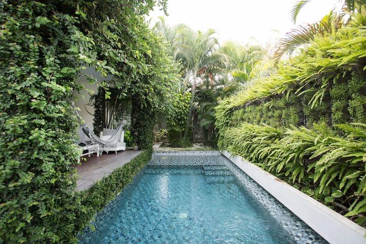 cozy suite  seminyak-oberoi  beach - Kuta - Villa