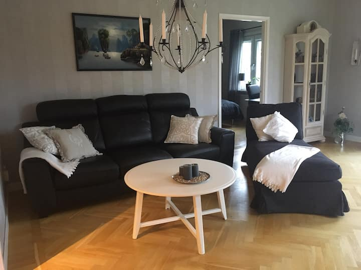 Pleasent, three room apartment near Munksjöstaden.