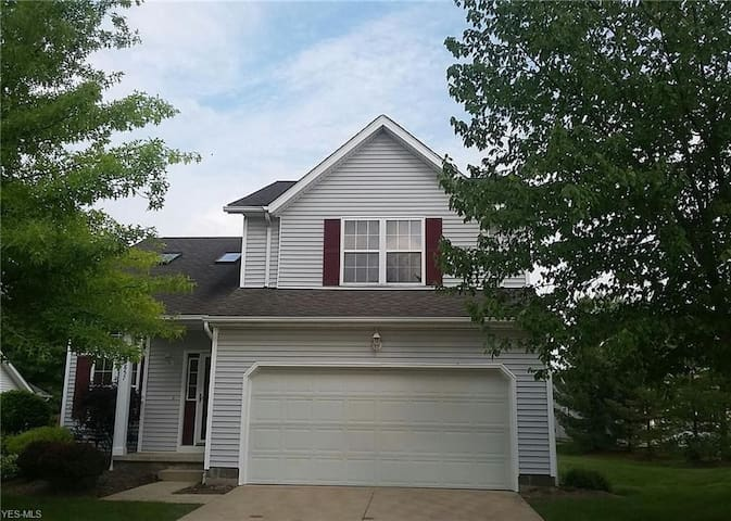 EASY LIVING Medina OH MOVE-IN READY Rental-YEARLY