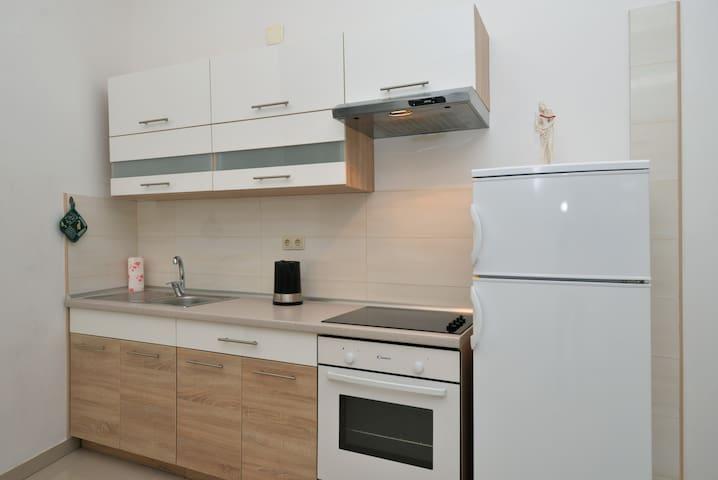 Apartman Aba, Murter