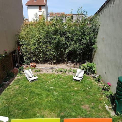 Chambre double sur jardin proche Paris, La défense