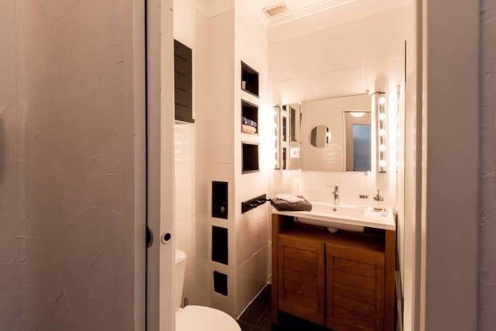 Chambre dans un petit appartement appartements louer for Chambre a louer annecy