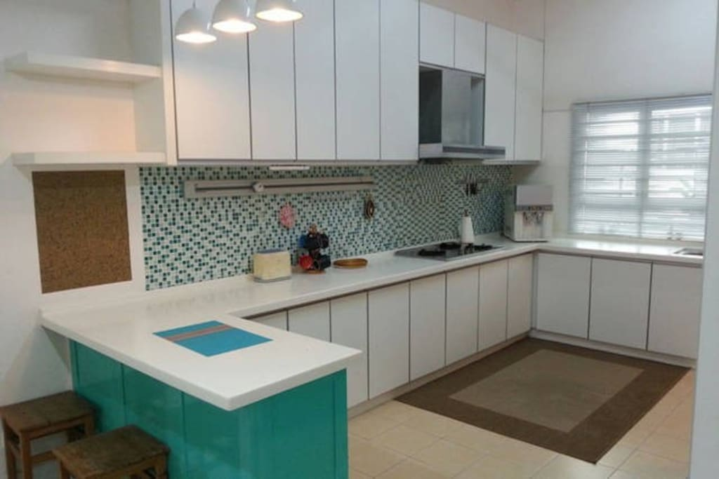 Spacious kitchen for preparing meals. Toaster, stove, rice cooker, fridge, waster dispenser and microwave available. Usage of oven is available too upon request.