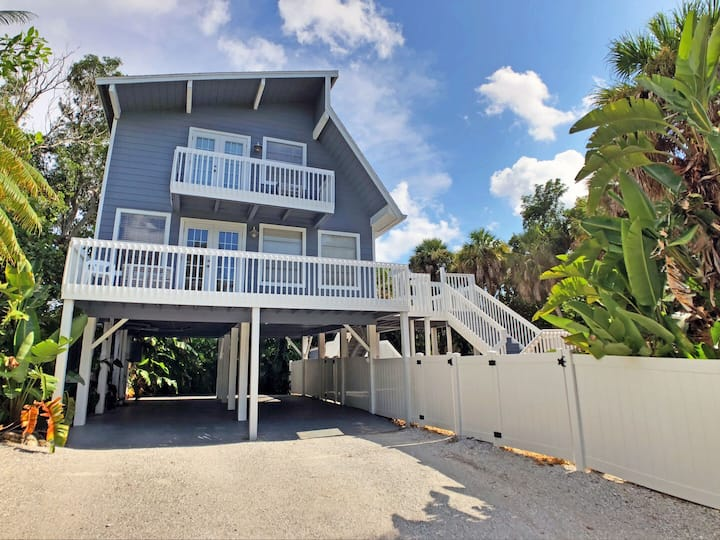Coastal home with heated pool and beach access