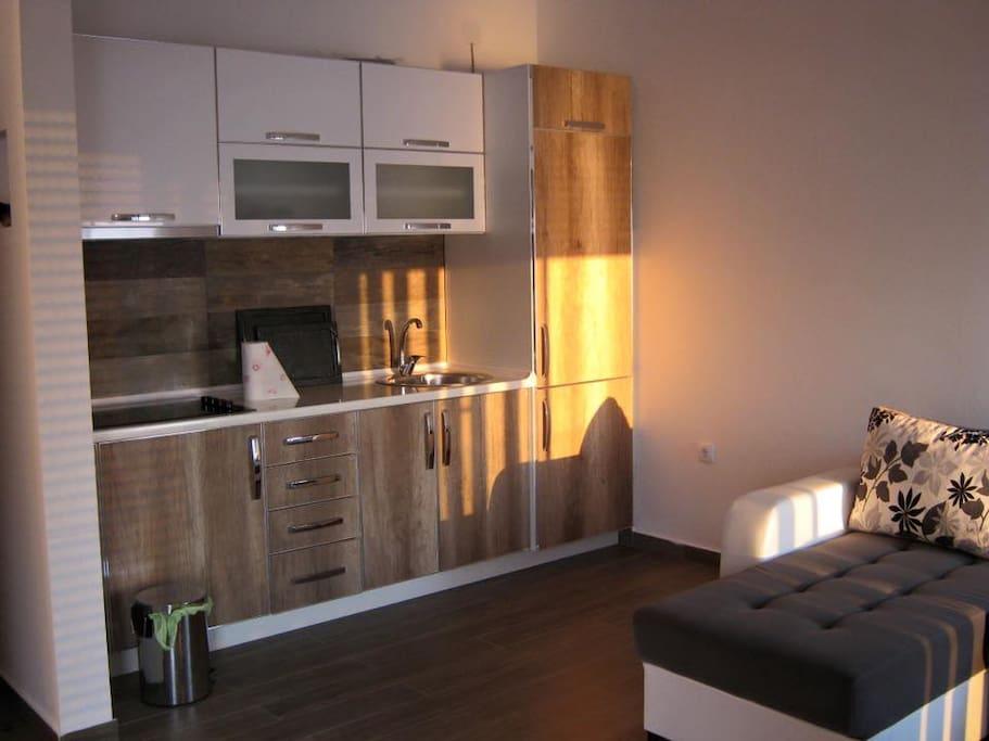 apartment on top ( kitchen )