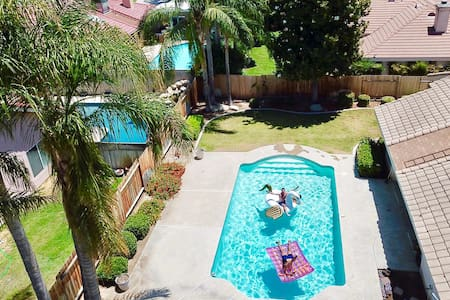 SAFE QUIET PRIVATE, Relaxing Pool, Central Loca