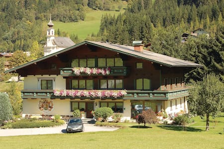 Holiday apartment with 2 bedrooms on 60m² in Flachau